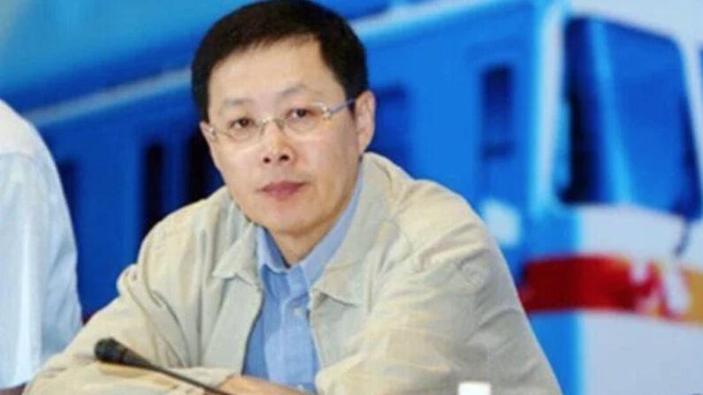 왕치산의 측근인 둥훙(董宏·사진) 조사관이 심각한 기율·법률 위반 혐의로 조사를 받고 있는 것으로 알려졌다. | SOH