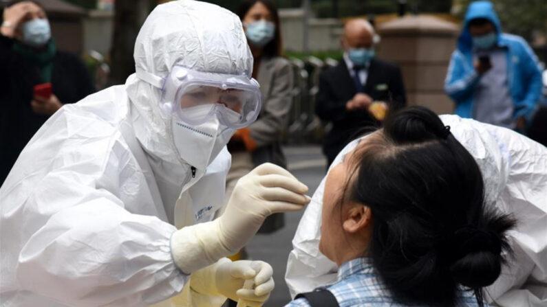 칭다오시 중공 바이러스 감염증(코로나19) 검사 | 신화=연합뉴스