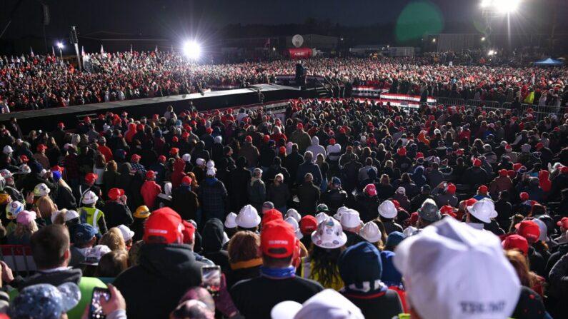도널드 트럼프 미국 대통령이 2020년 10월 31일 오후(현지시각) 펜실베이니아 버틀러에서 연설하고 있다. | MANDEL NGAN/AFP via Getty Images=연합뉴스