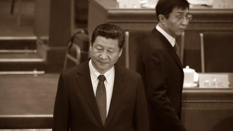 시진핑 중국 공산당 총서기(왼쪽)와 중국 공산당 '브레인' 왕후닝 중앙서기처 서기 | Feng Li/Getty Images