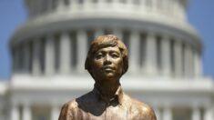 """트럼프, 희생자 1억명 추모…""""공산주의 확산 기필코 막겠다"""""""