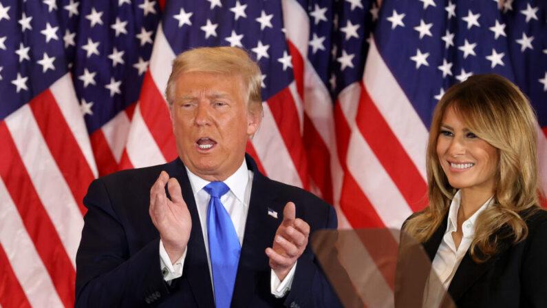 도널드 트럼프 미국 대통령(왼쪽)과 영부인 멜라니아 여사. 2020년11월4일   Chip Somodevilla/Getty Images