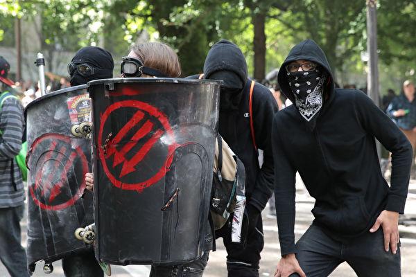 """""""너희들 때문에 우리가""""…BLM과 안티파, 집안 싸움 끝에 결별"""