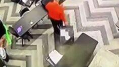 '여행용 가방'서 투표지가 쏟아졌다…트럼프 법률팀, 개표소 내부 CCTV 영상 첫 공개