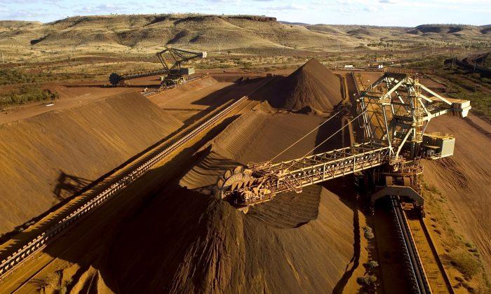중국이 호주에 관세 폭탄으로 경제 보복을 가했지만 호주의 대중국 수출량은 오히려 더 늘었다.사진은 호주의 철광석 광산. | Christian Sprogoe / AFP / Getty Images
