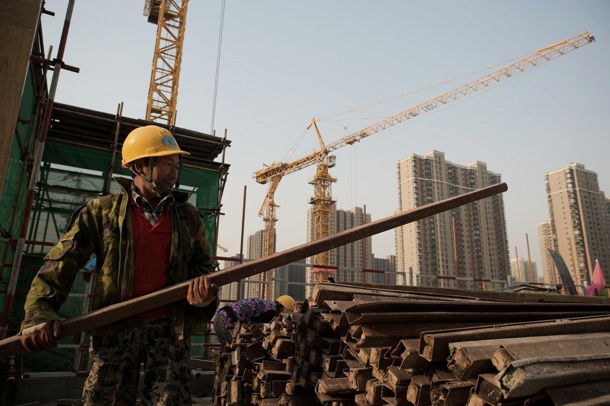 """중국, 코로나에도 경제 2% 성장...전문가 """"통계에 의문"""""""