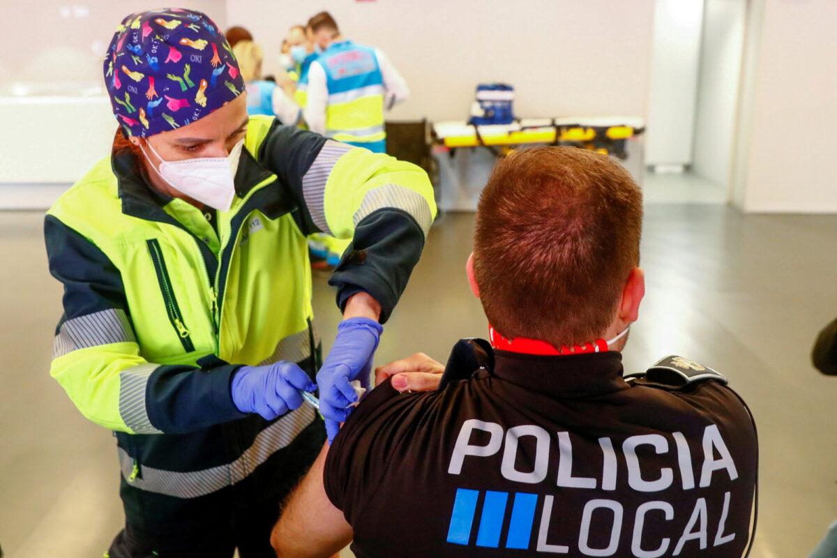 스페인, 55세 미만 코로나19 확진자에게는 백신 1회만 투약키로