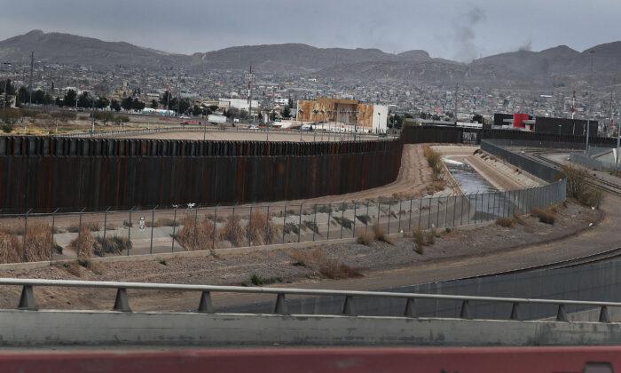 미 텍사스주에서 석방된 불법 체류자 108명 양성 판정
