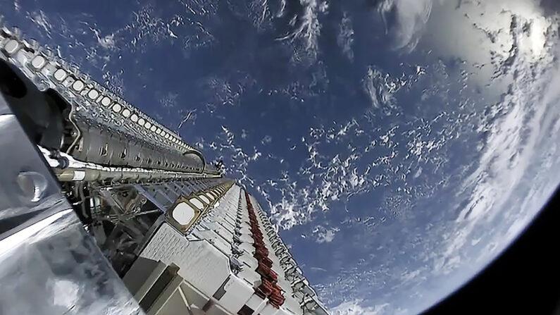 스타링크 위성 | 스페이스X 홈페이지