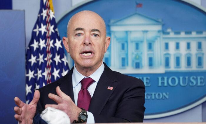 알레한드로 마요카스 미국 국토안보부 장관. 2021.3.1   Kevin Lamarque/Reuters