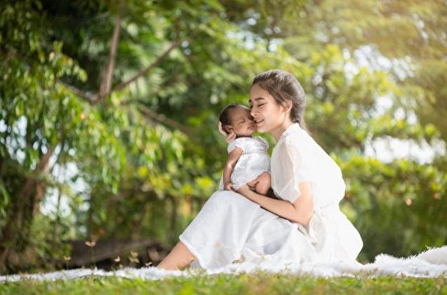 [천옌링의 자녀교육⑩] 아기에게 모유와 아름답게 '이별'시키는 방법