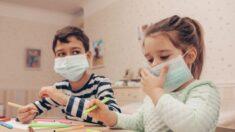 미 보건교사 '마스크 착용 건강에 해롭다' 발언으로 정직 처분