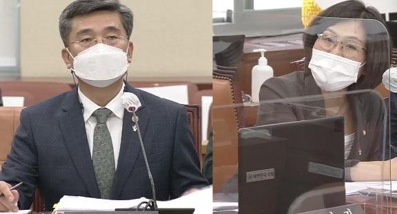 9일 국방위원회 전체회의에서 권인숙 위원(더불어민주당)이 서욱 국방부 장관에게 질의 하고 있다. ㅣ국회 제공