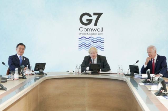 G7회의에 참석한 문재인 대통령과 보리스 존슨 영국 총리, 조 바이든 미국 대통령 | 청와대 제공