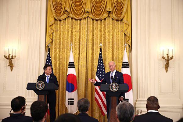 지난 5월 21일 조 바이든 미국 대통령은 백악관에서 문재인 대통령을 만나 반도체 공급망 강화에 대해 언급했다. | Anna Moneymaker/Getty Images