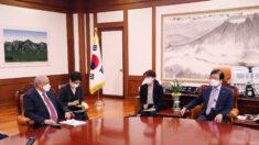 """박병석 국회의장 """"한-우즈벡 FTA 협상 중, 순조롭게 마무리되길"""""""