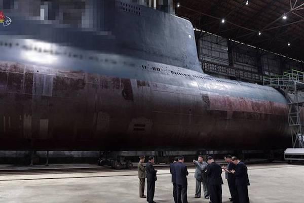 북한이 건조 중인 잠수함 | 연합뉴스 자료사진