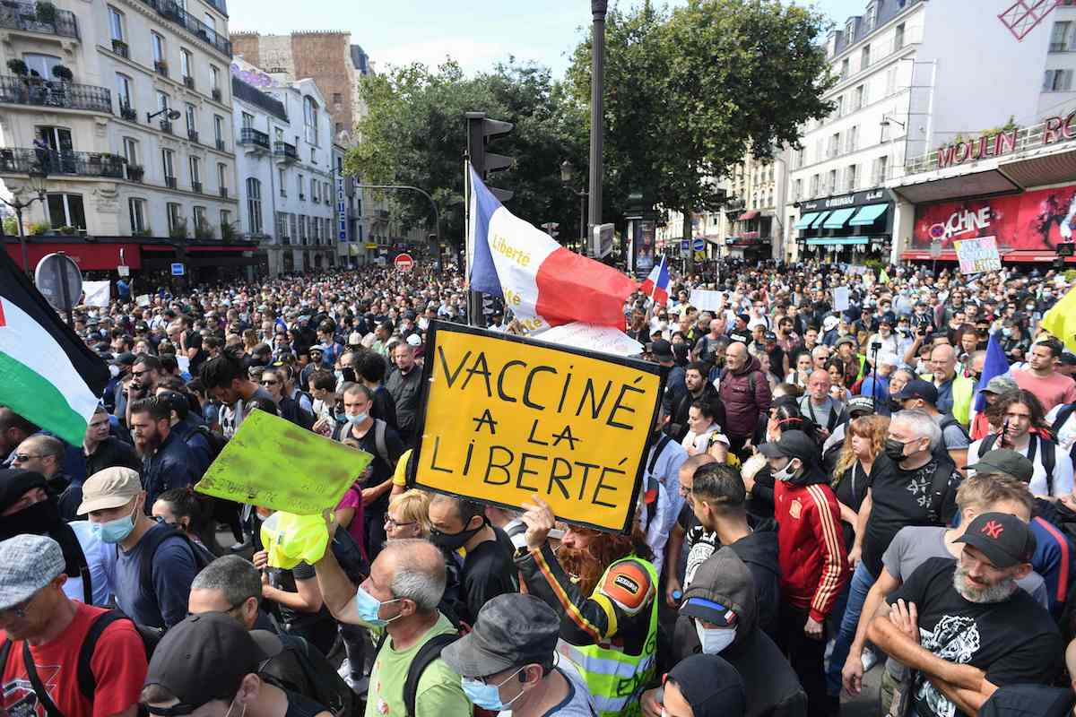 """프랑스서 3주째 """"백신 여권 반대"""" 대규모 시위"""