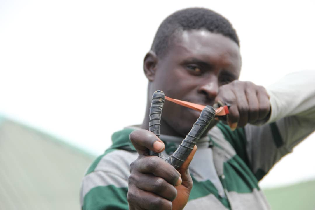 [지구촌 르포] AK-47 든 테러범에 새총으로 맞서는 나이지리아 농경민들