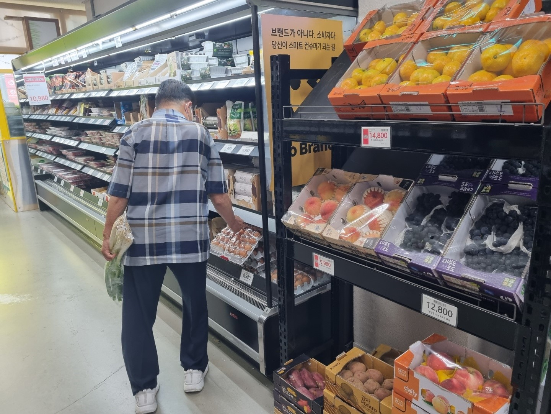 달걀 가격 57% 올라...소비자물가 4개월 연속 2%대 상승
