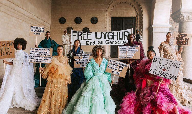 중국계 스웨덴 패션디자이너 신의 위구르 탄압 항의 패션쇼 | 연합뉴스