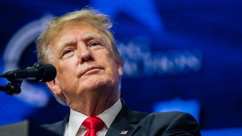 도널드 트럼프 전 대통령이 2021년 7월 24일 애리조나주 피닉스에서 열린 집회에서 연설하고 있다. | Brandon Bell/Getty Images