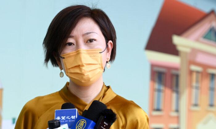 에포크타임스 홍콩판 기자, 괴한에 한낮 피습…배후로 中 공산당 지목