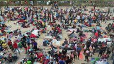 바이든 정부, 텍사스 '난민촌' 불법 이민자 본국 송환 개시